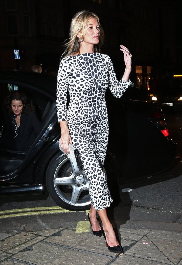 See-Kate-Moss-Wear-Leopard-Print-Through-Years