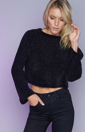 black-crop-knit-194