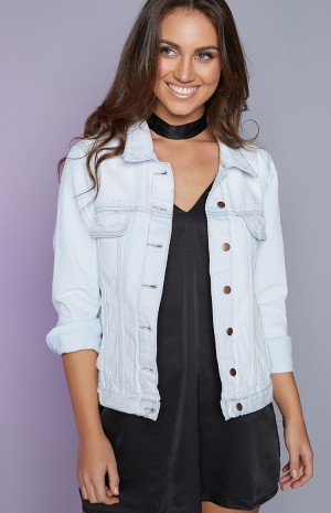 light-denim-jacket-69