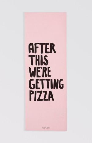 pizza-yoga-mat-1