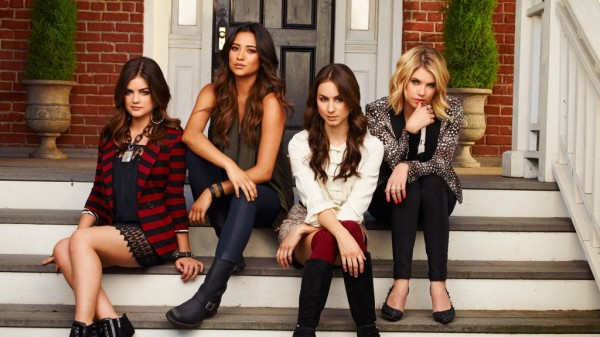 pretty-little-liars-fashoin-1024x576