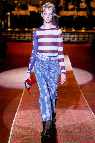 http://www.vogue.co.uk/shows/spring-summer-2016-ready-to-wear/marc-jacobs/