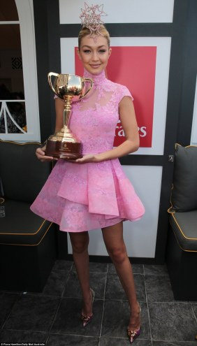 https://au.pinterest.com/explore/melbourne-cup-fashion/