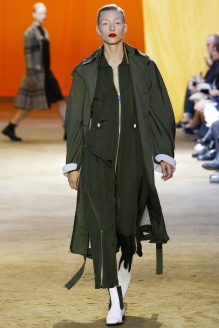 http://en.vogue.fr/fashion-shows/defile/printemps-t-2016-paris-cline/15225#defile-39
