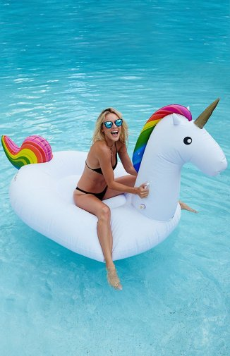 inflatable-3-unicorn