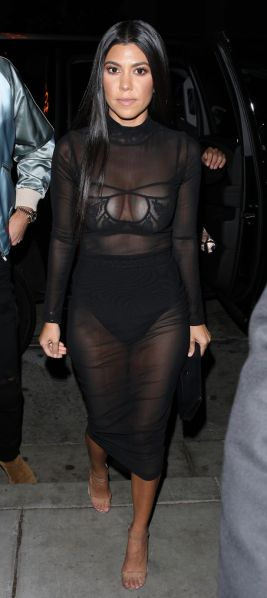 http://www.mirror.co.uk/3am/celebrity-news/kourtney-kardashian-sizzles-flashes-underwear-9200213