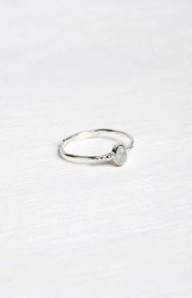 silver-stone-ring