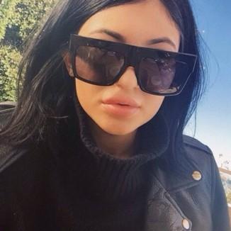 pdbgw6-l-610x610-sunglasses-kylie+jenner-black+sunglasses-eyewear-kardashians-matte+black-matte