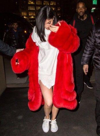 http://www.zimbio.com/photos/Kylie+Jenner/Kylie+Jenner+Heads+Out+Valentine+Day+Tyga/jHqtzug7U7L