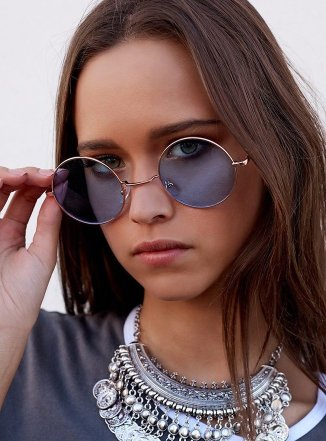 blue-ringo-glasses-44_660x1024_crop_bottom