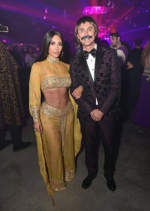 Kim-Kardashian-Cher-Halloween-Costume-2017