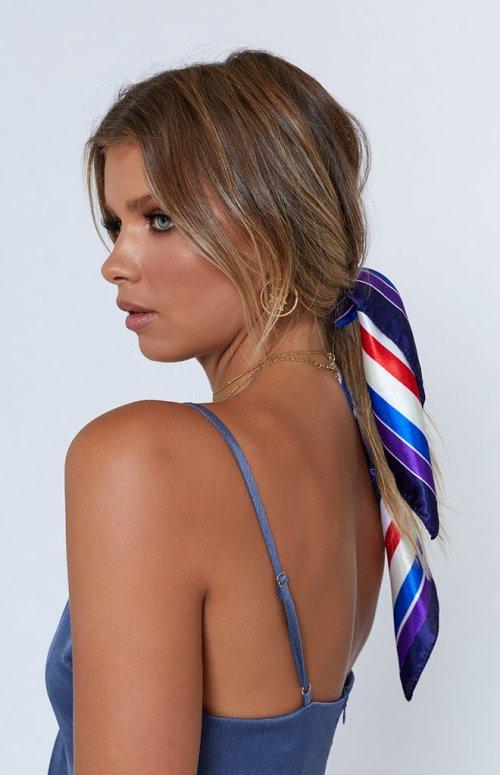 stripe-scarf-135_660x1024_crop_bottom